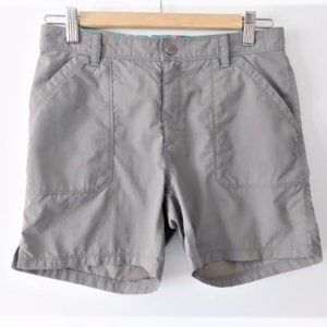 The North Face girl's gray utility shorts